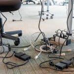 La excesiva sobrecarga de equipos es un motivo habitual de incendio en las empresas